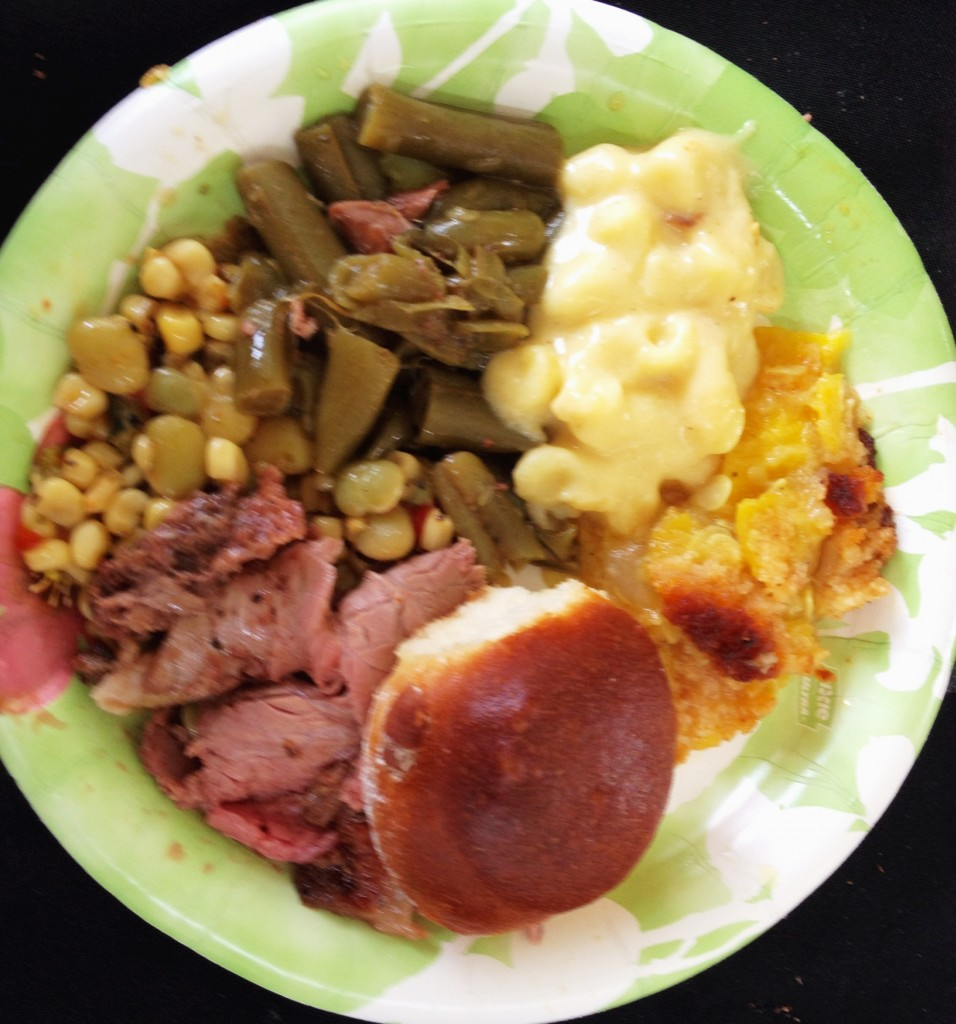 Roast beef. succotash, green beans, mac and cheese, squash casserole and a yeast roll