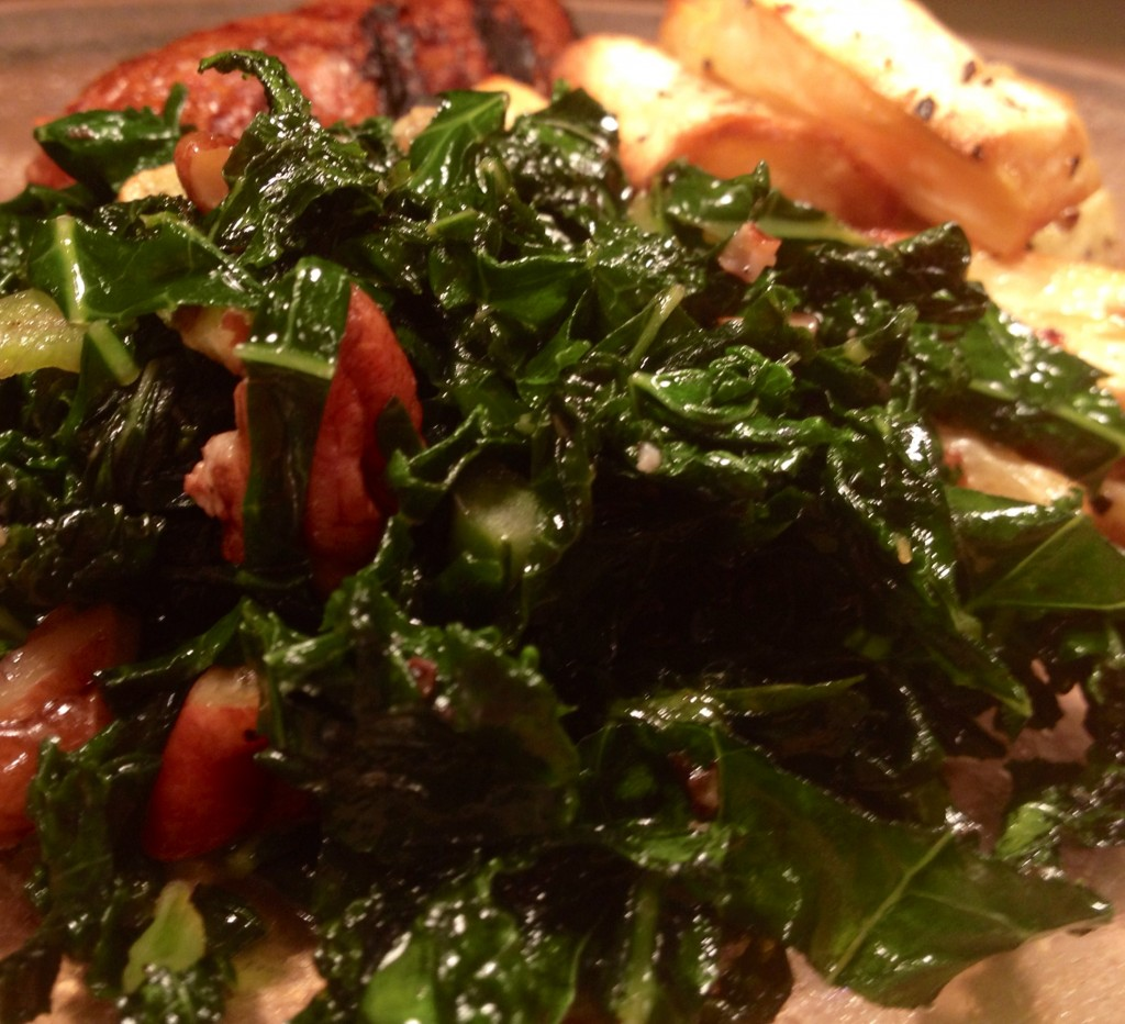 Kale with garlic, raisins and pecans
